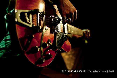THE JIM JONES REVUE 12