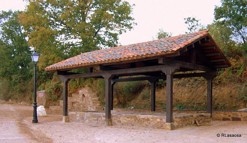 Rabanal del Camino, León by Rufino Lasaosa