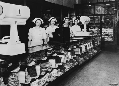 George E. Adams' cake shop, Brisbane Arcade, Brisbane, ca. 1938