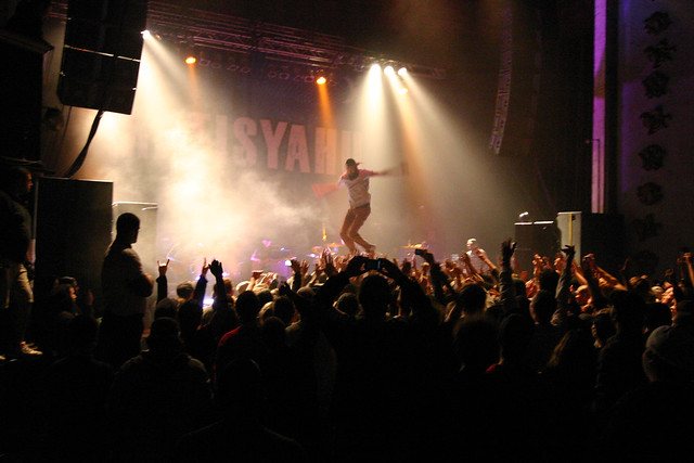 Matisyahu Stage Dive