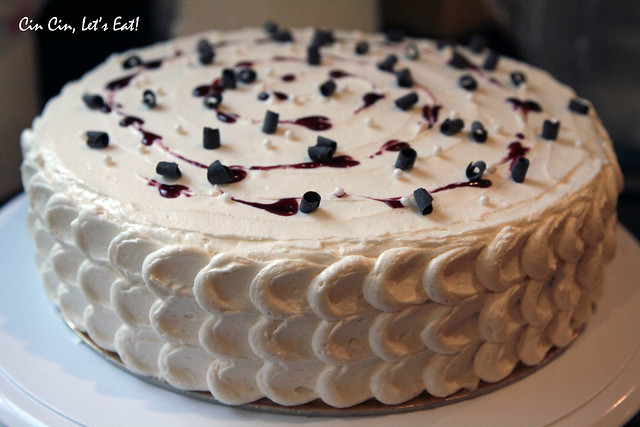 blackberry white chocolate cake 14