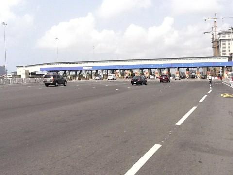 Lekki Expressway (Toll Station) Lagos State, Nigeria. by Jujufilms