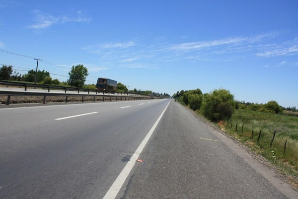 An empty stretch of the Pan-American Highway in Chile ...