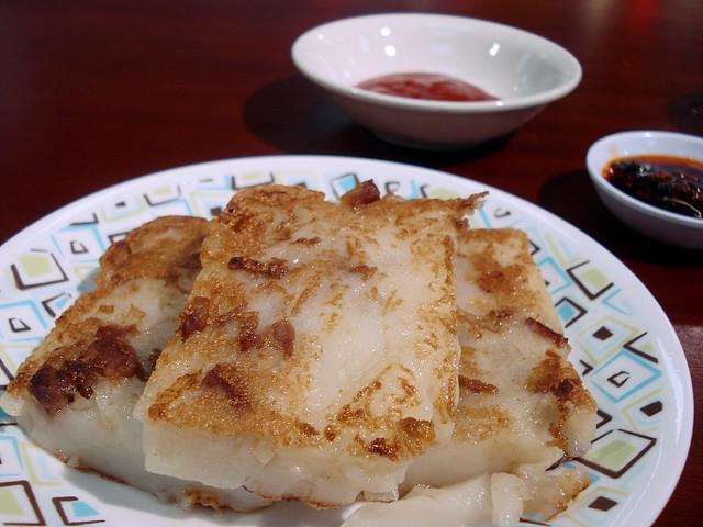 Pan-fried turnip cake (蘿蔔糕), Pacific Plaza food court, Wembley, London HA9