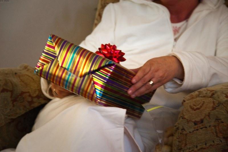 Gift-Grabbing