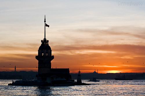 Cosa fare a Istanbul: un tè davanti a Kiz Kulesi