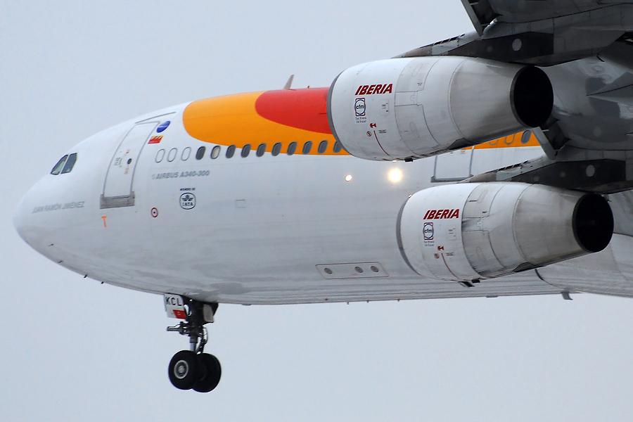 Iberia Airbus A340-311 (EC-KCL)