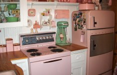 20+ Dreamy 1950s Kitchen That Will Fascinate You