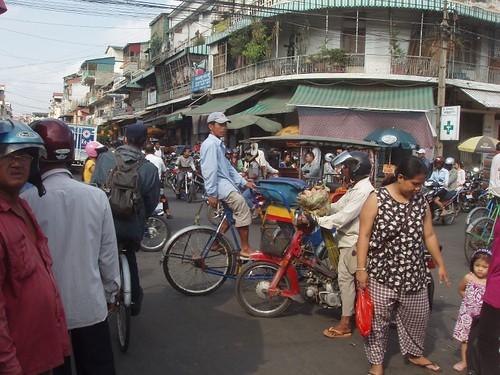 201002060278_Phnom-Pen-market