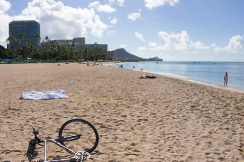 ワイキキビーチと自転車