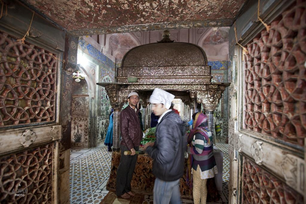 Inside the Tomb of Salim Chishti