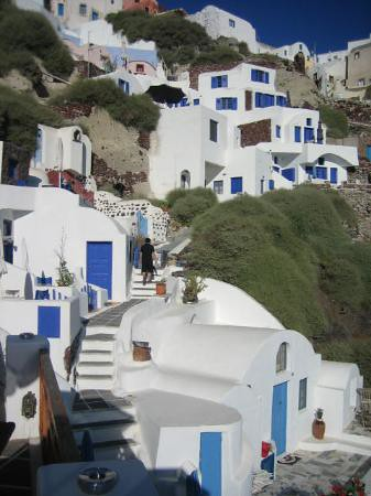 view-of-oia-mare-from