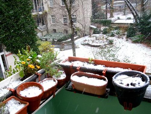 Balkon im Schnee 4