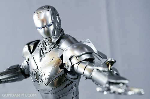 Hot Toys Iron Man 2 - Mk II Armor Unleashed Ver. Review MMS150 Unboxing (68)