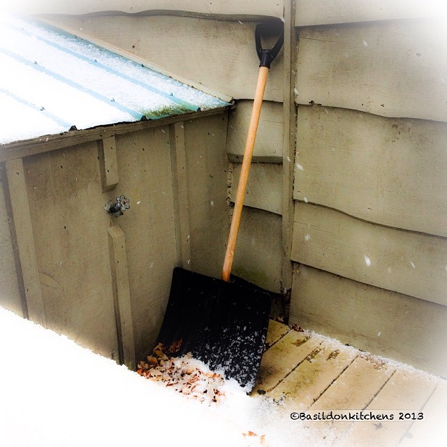 Nov 23 - national sport {hubby considers shoveling snow a national sport} #photoaday #snow #shovel #winter #brrr