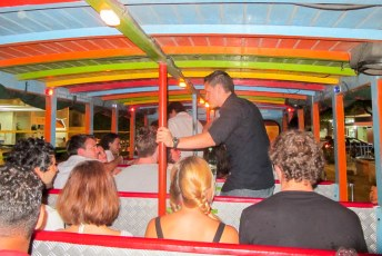Oudejaarsavond vierde ik in de Partybus (Chiva).