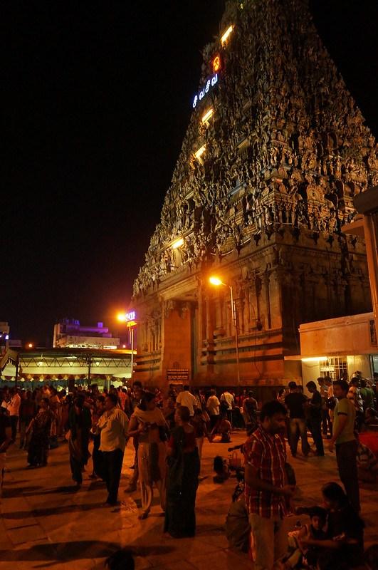 Inside the Kapaleeshwarar Temple