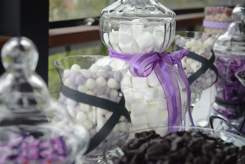 Candy buffet ideas to save money from @offbeatbride