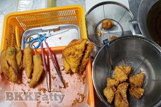 street food pakoras in Bangkok