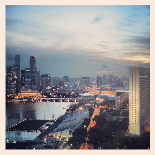 #singapore at dusk by @MySoDotCom