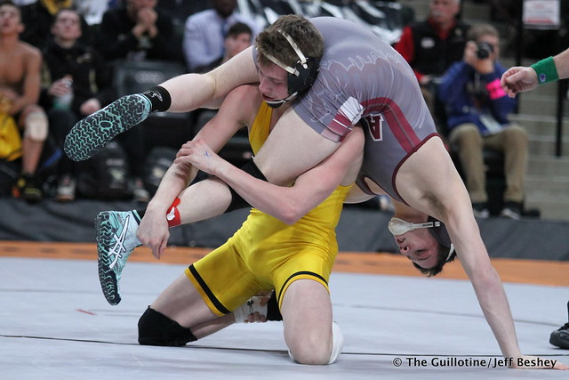 138 - Tyler Eischens (Anoka) over Kyle Rathman (Apple Valley) SV-1 3-1