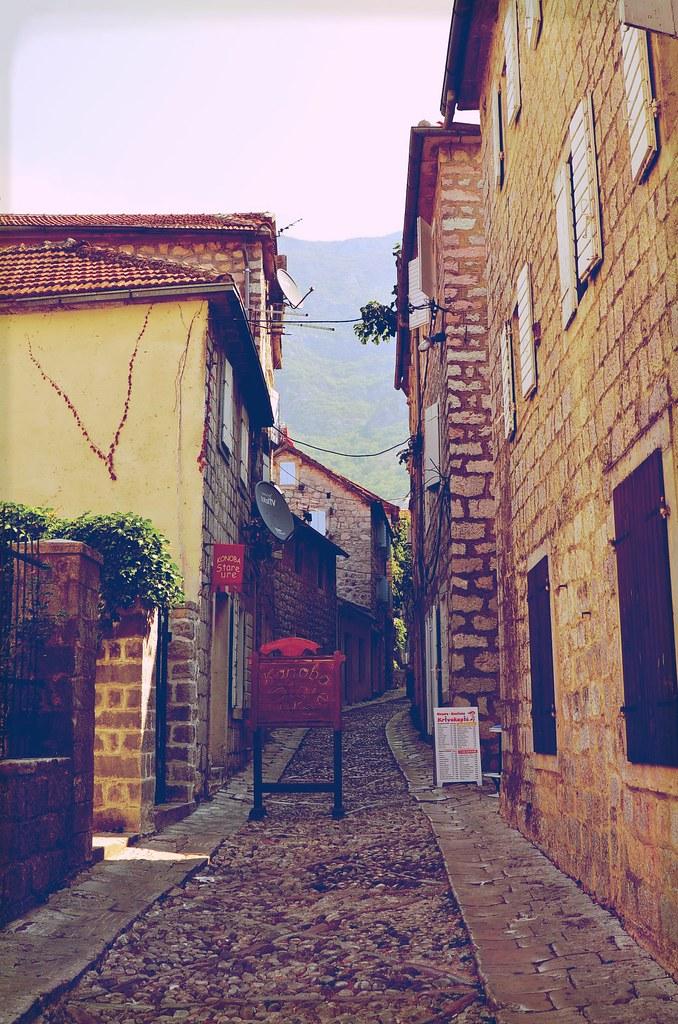 resan old town street