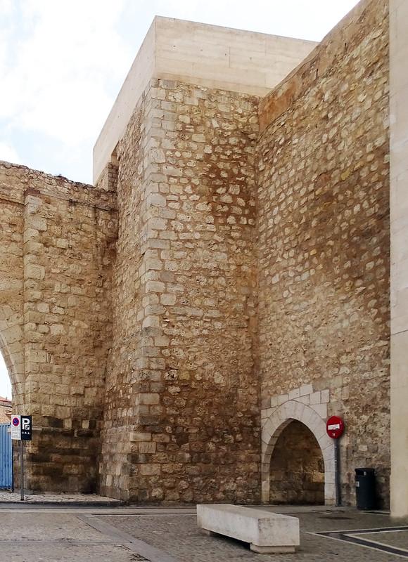 Teruel Portal de San Miguel o La Traicion 01