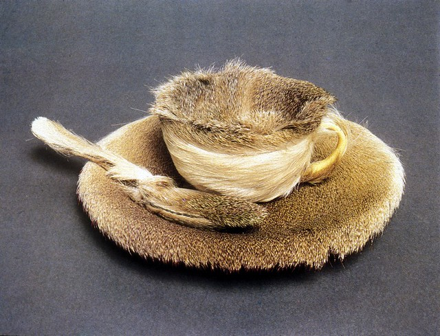 Meret-Oppenheim-fur-lined-tea-cup