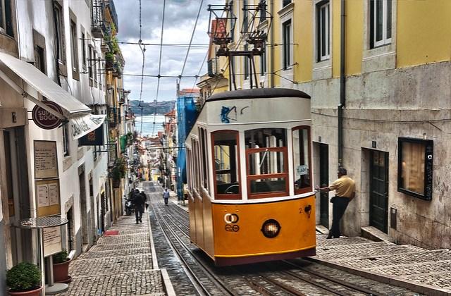 Uphill Lisboa (Yellow Tram)