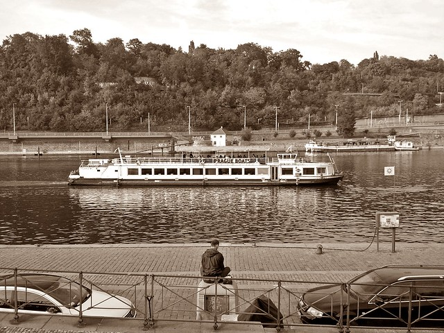 October afternoon by the Vltava (11)