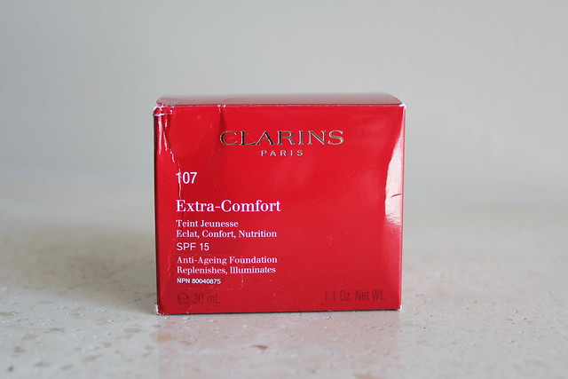 clarins extra comfort foundation swatch and review