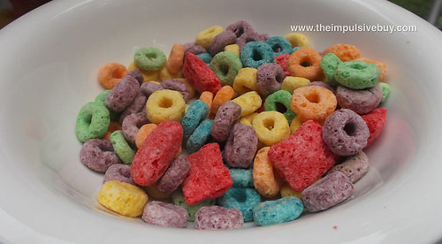 Kellogg's Fruit Loops Treasures In Bowl