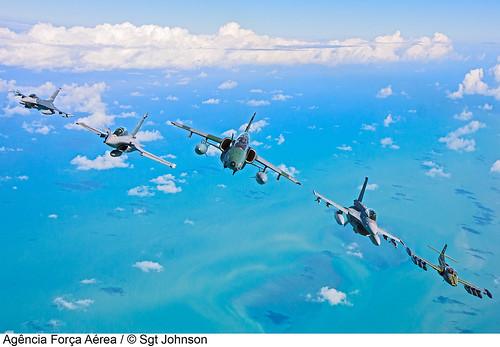 Esquadrão multinacional by Página oficial da Força Aérea Brasileira
