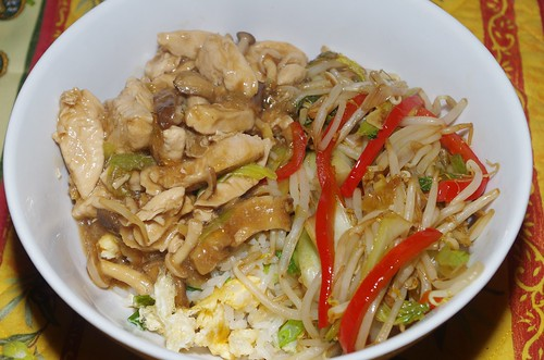 Chicken and mushrooms in oyster sauce and stir-fried vegetables by La belle dame sans souci
