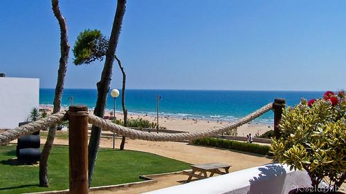 Hotel Fuerte Conil. Playa de la Fontanilla by JoseluBilbo.