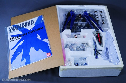 Metal Build Freedom Gundam Prism Coating Ver. Review Tamashii Nation 2012 (8)