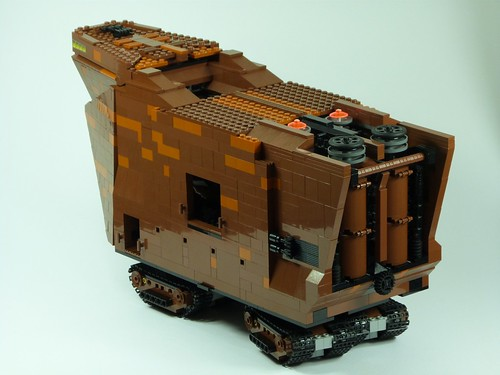 Modified Sandcrawler, by makaio, on flickr