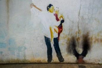 Zelfs onder graffiti artiesten is salsa populair in Colombia.
