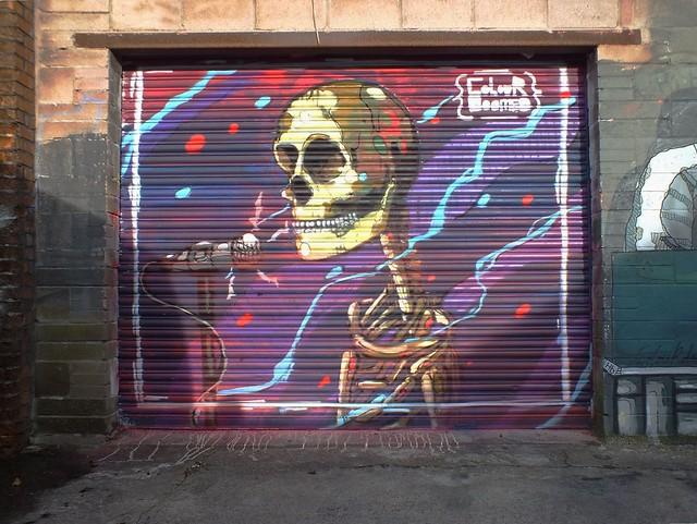 Colour Doomed -  Stand up skull