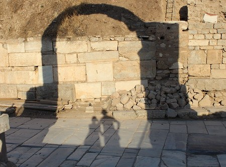 Shadows in Efes