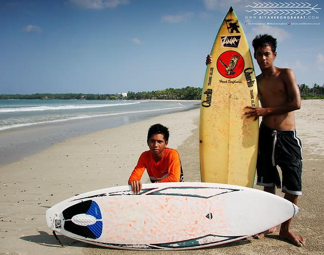 CJ Gallardo and Fernan Forteo of Team Busogon Bulusan Surfers Sorsogon
