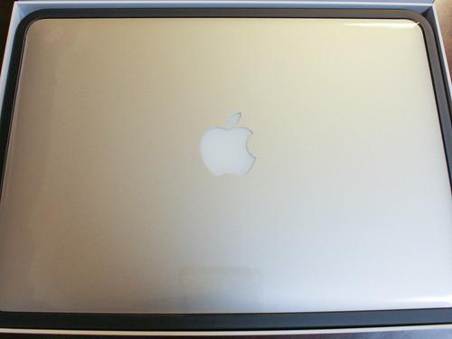 出したばかりのMacBookPro