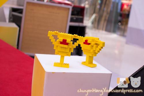 Chìm trong biển Lego ở Crescent Mall