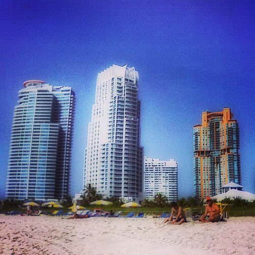 South Beach #sobe #miami by @MySoDotCom