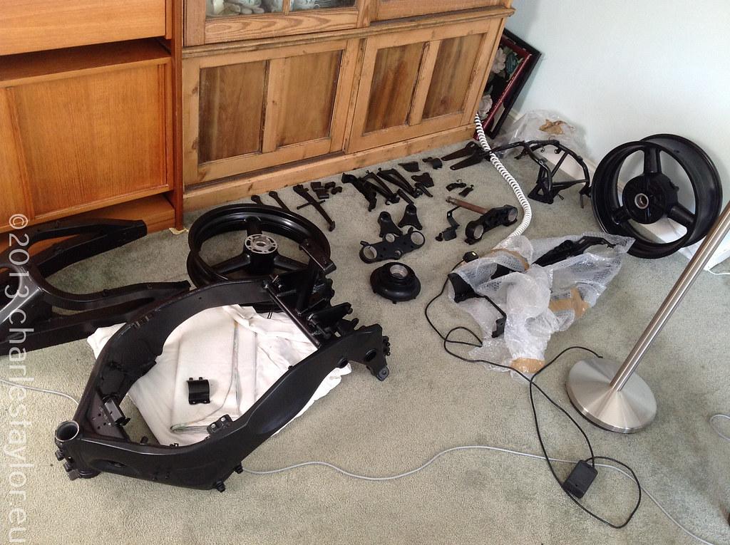 8. Powder Coating RF900 Motorcycle parts