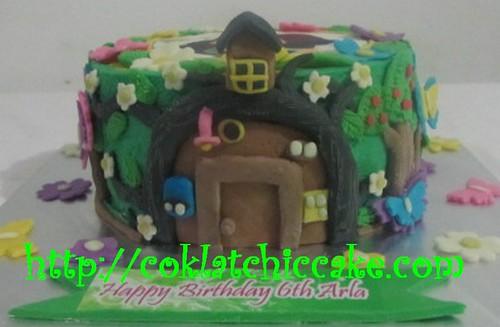 Kue ulang tahun marsha and bear