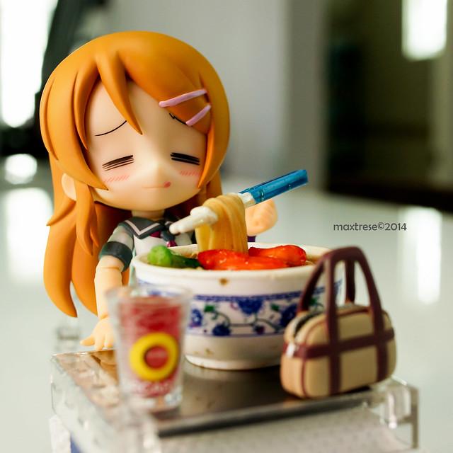Kotobukiya Cu-poche Kirino eating ramen