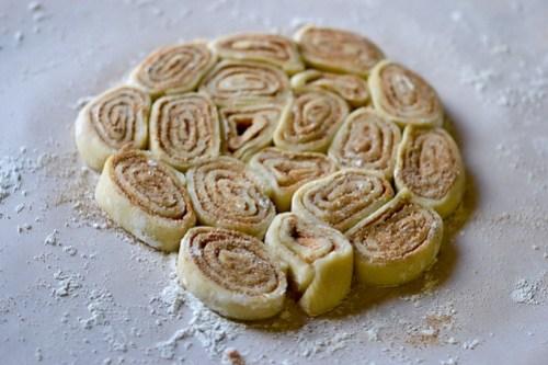 Cinnamon Bun Apple Pie-7
