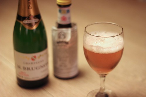 Champagne Cocktail (Savoy and Café Royal)