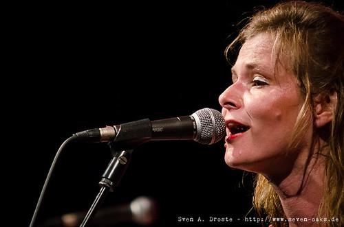 Bernadette La Hengst